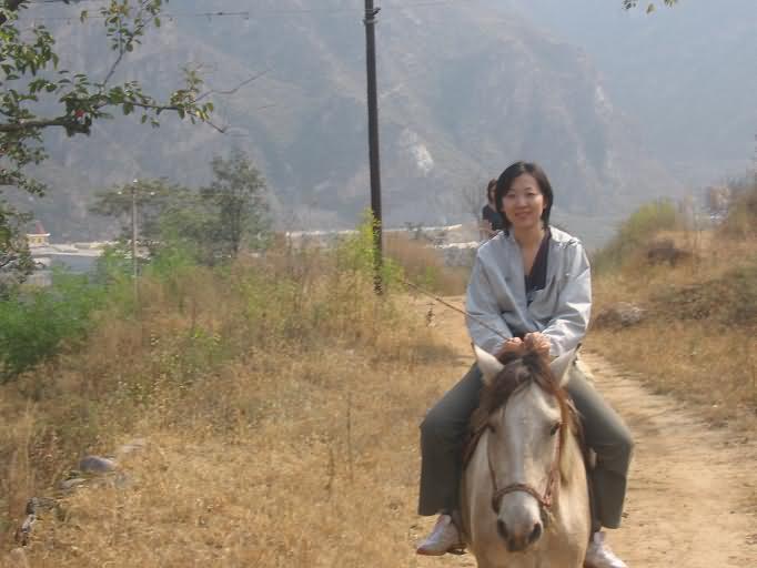 美女骑马百里峡野三坡百里峡中国美女骑马